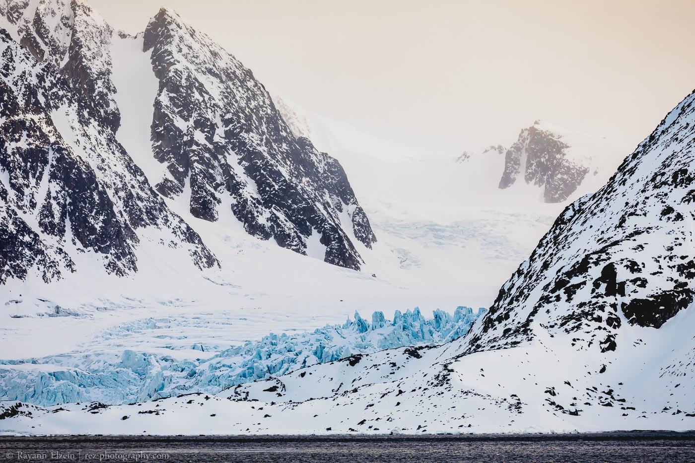 Blue glacier in Svalbard by Rayann Elzein