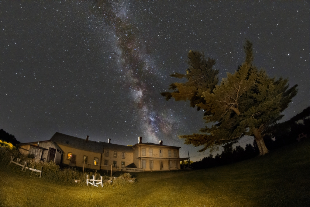 Milky Way Livermore Maine by steve coates