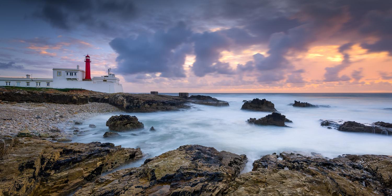 Color Bay by Carlos Resende