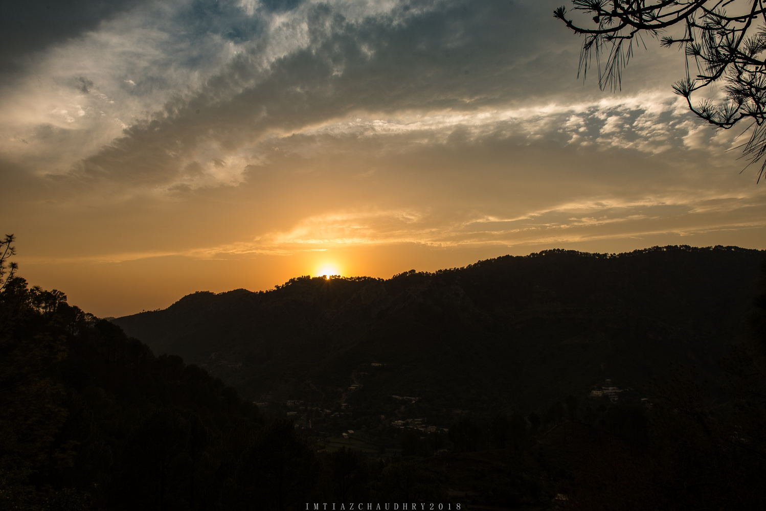 Sunset by imtiaz chaudhry