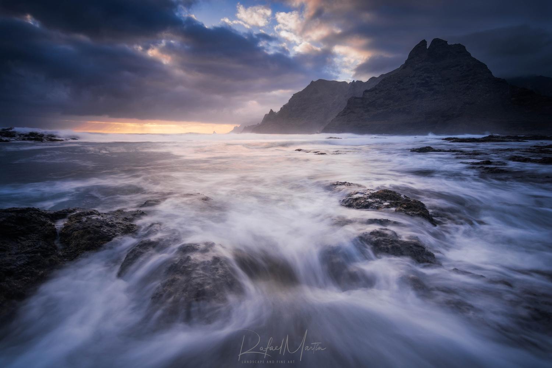 Sunrise alone by Rafael Martin