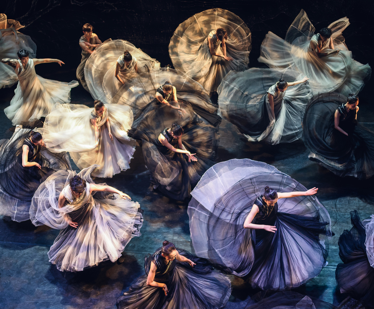 Flow of skirts by Janos Lakatos