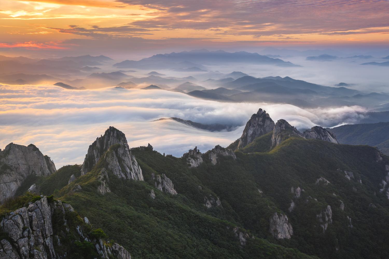 Beyond The Clouds by jaeyoun Ryu