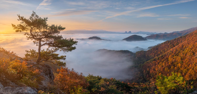 Deep Autumn Morning with Maisan by jaeyoun Ryu