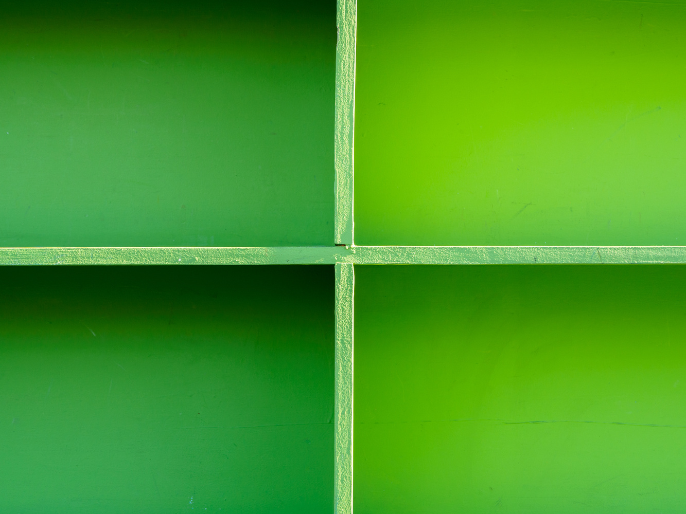 Bookshelf full of gradients by Ryan Giglio