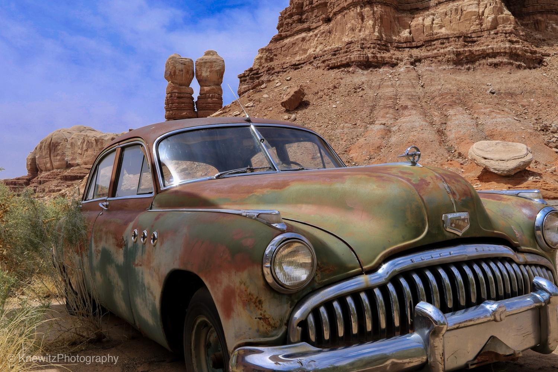 Old car,forgotten by Jochen Knewitz