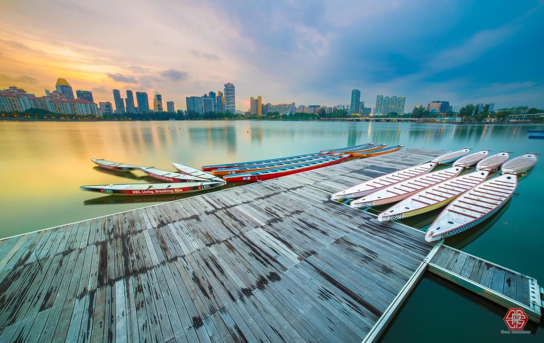 Dragon Boats by Oscar Kaung