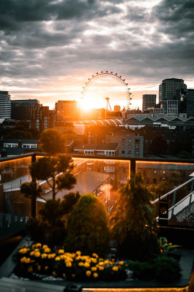 London Eye Sunset by Kasper Skreien