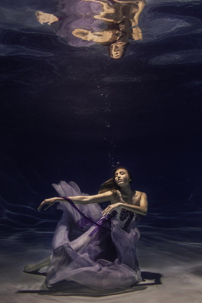 Underwater Portrait by Scott Vo