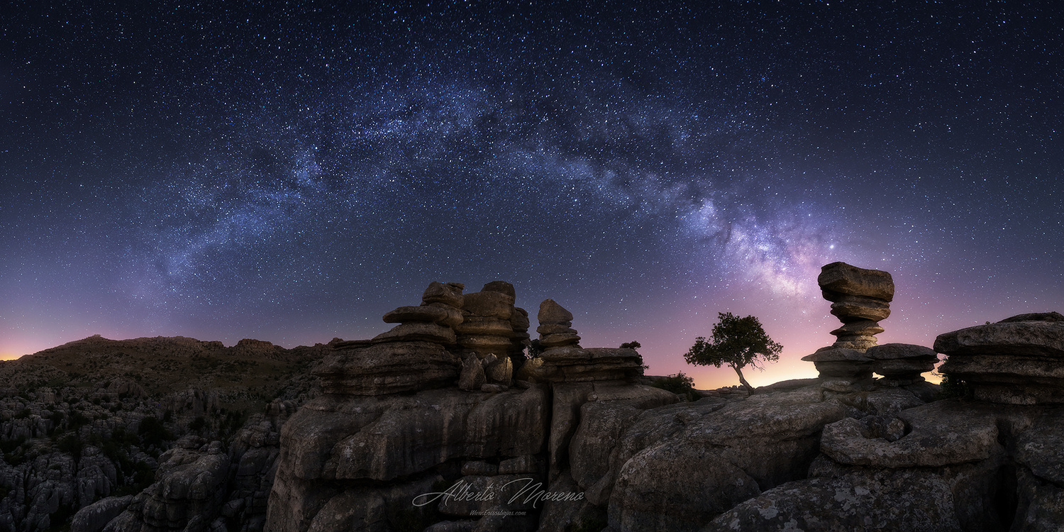 In the back of the torcal by Alberto Moreno