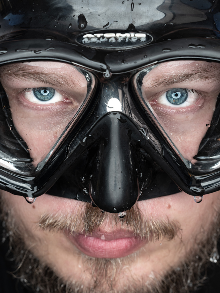 Faces of Divers - Michal Poszumski by Tomasz Kowalski
