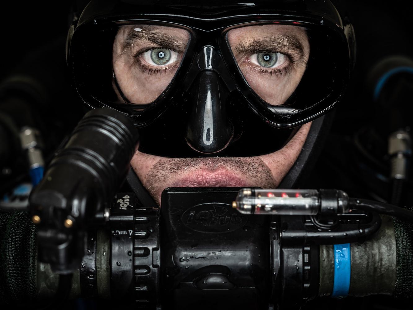 Faces od Divers - Maciej Bulkowski by Tomasz Kowalski