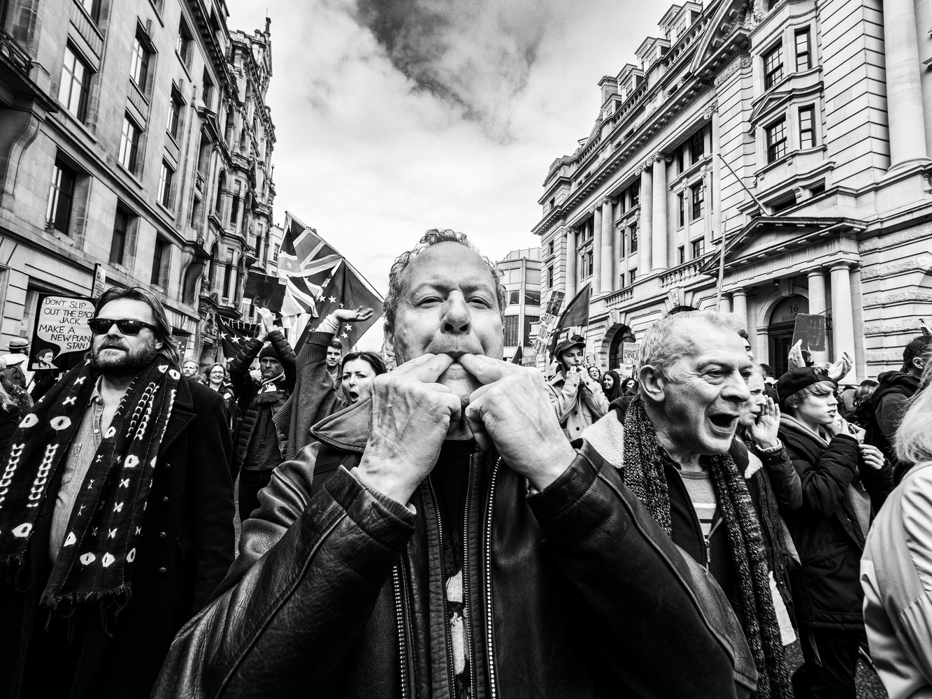 In the crowd of London by tomas doe