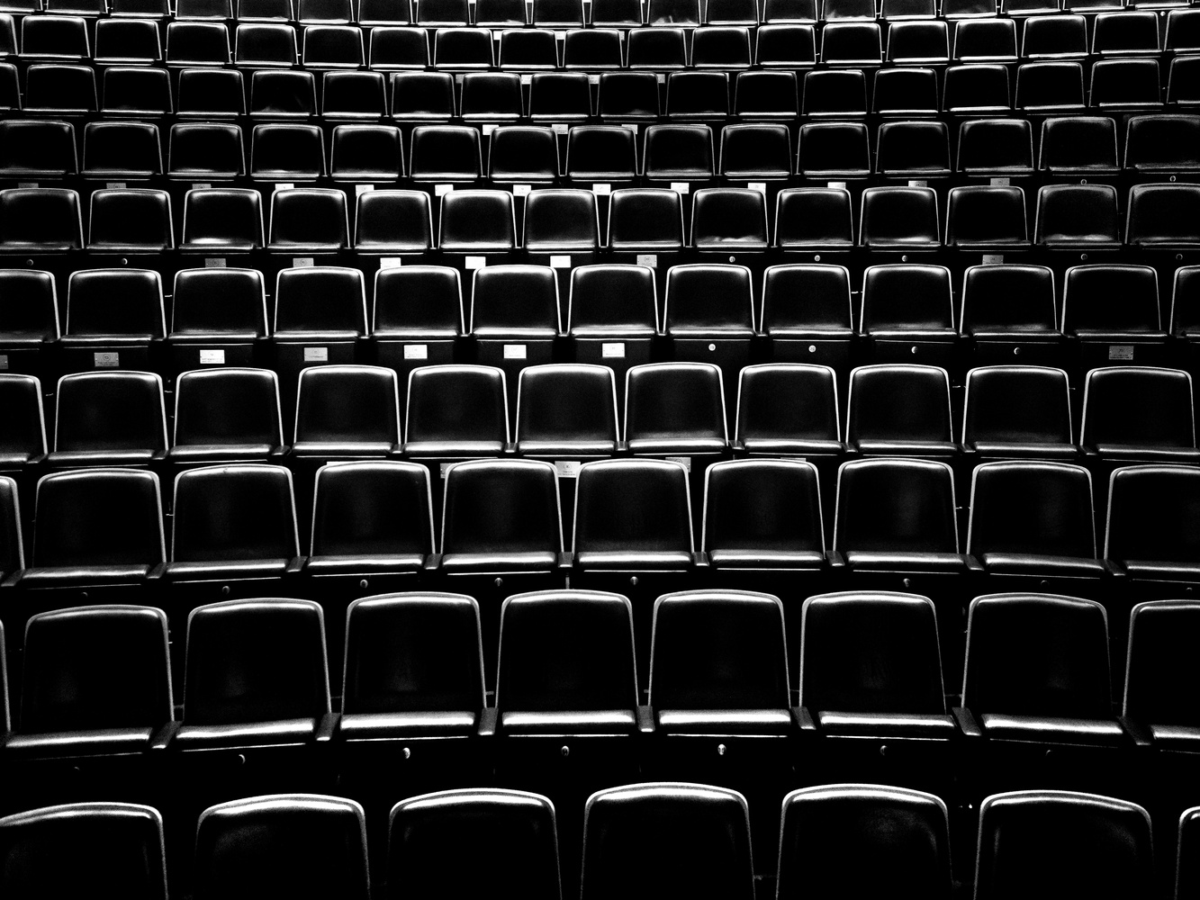 Waiting for the audience... by tomas doe