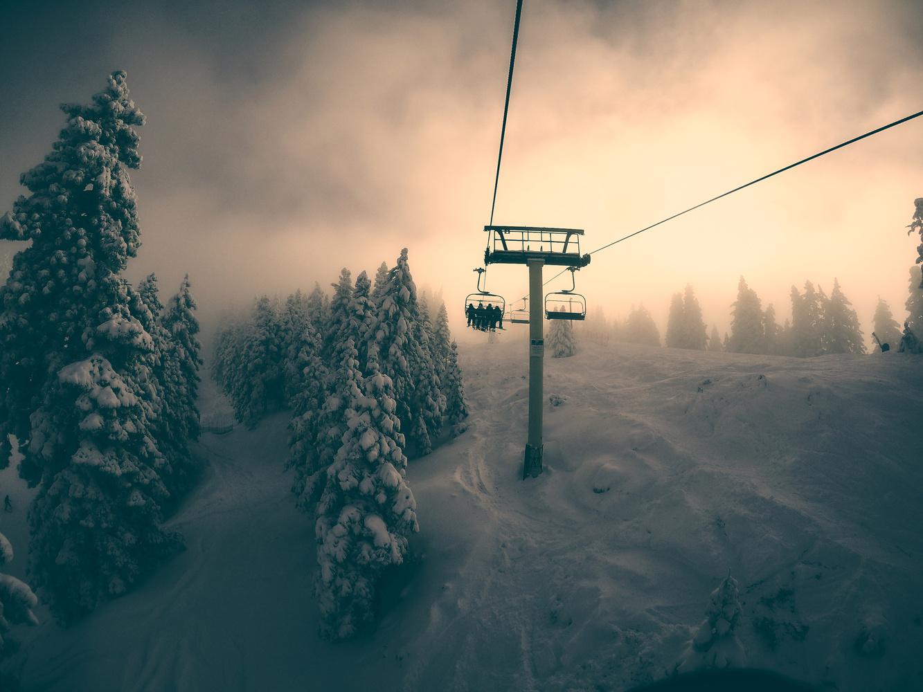 Snow summit at Big Bear, California by Rus Kulinov