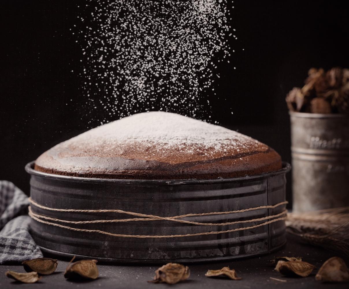 Cake Everest by Firat Tuzunkan