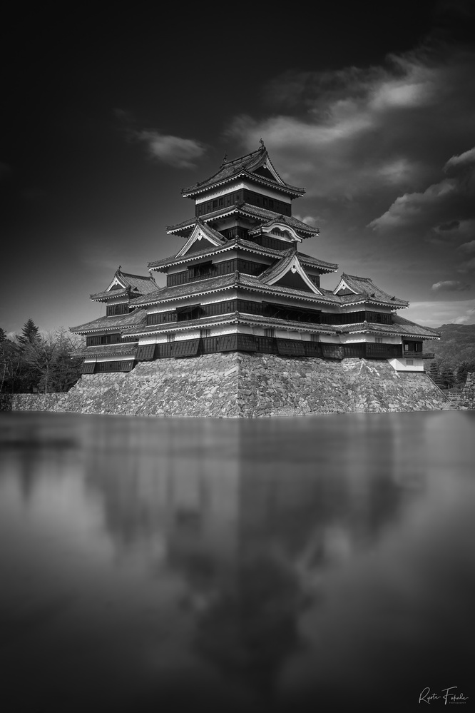 Japanese castle by Ryota Fukuda