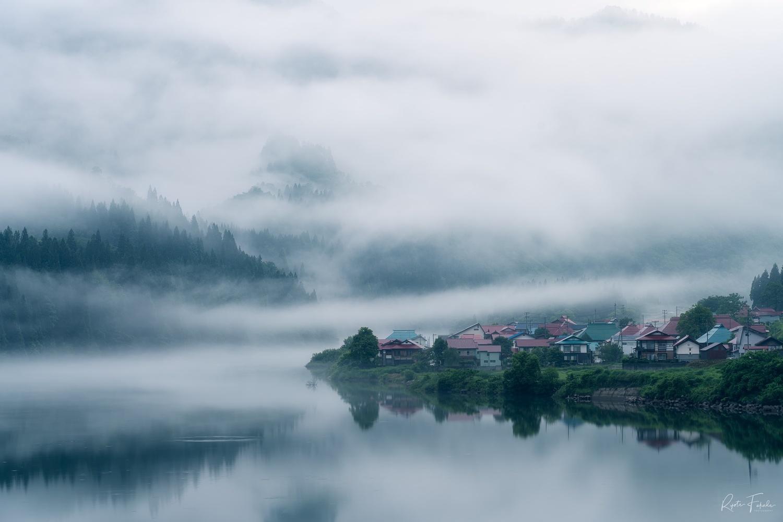 Fog settlement by Ryota Fukuda