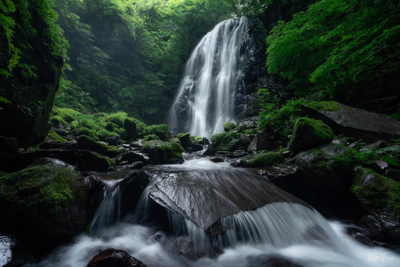 Waterfall by Ryota Fukuda