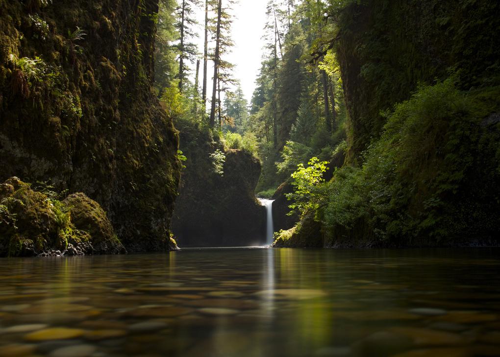 Punchbowl Falls by Richard Rhee