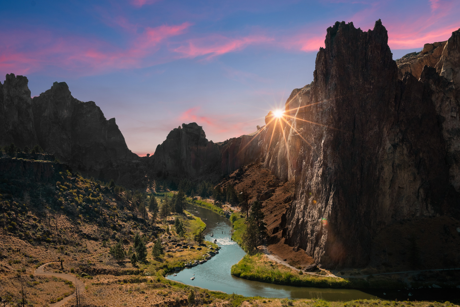 Smith Rock State Park by Richard Rhee