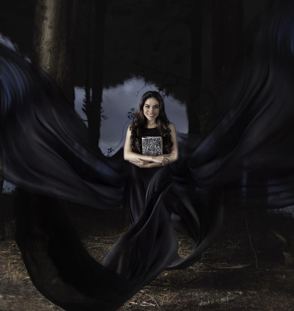 La femme du lac II by Cristhian Gonzalez