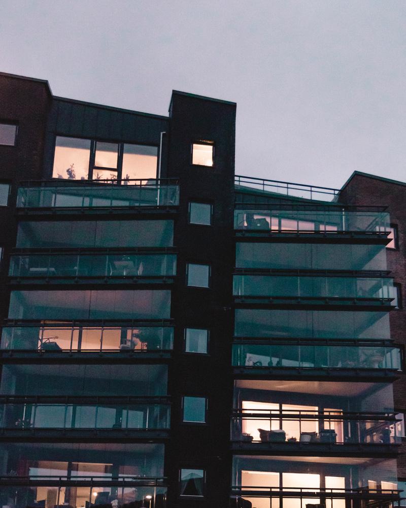 Moody architecture by Henrik Utne