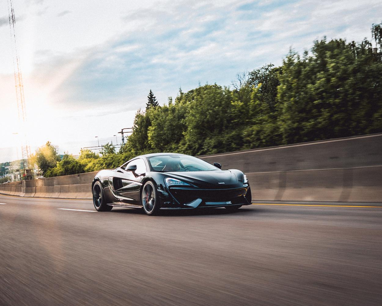 McLaren 570S rolling shot by Henrik Utne