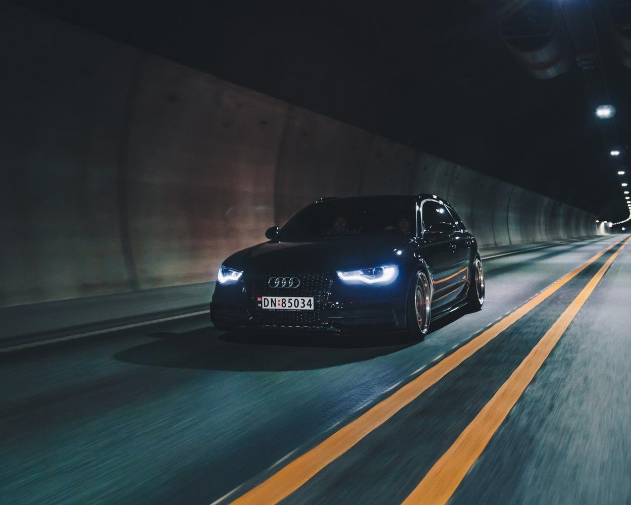 Audi A6 Rolling 4 by Henrik Utne