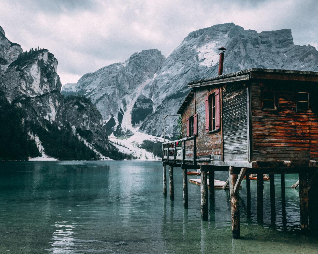 Boat house in Italy by Henrik Utne