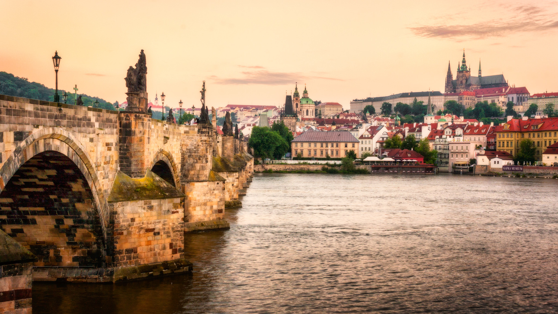 Charles Bridge and Malá Strana in Prague | Czech Republic by Nico Trinkhaus