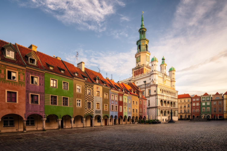 Old Market Square | Poznan, Poland by Nico Trinkhaus