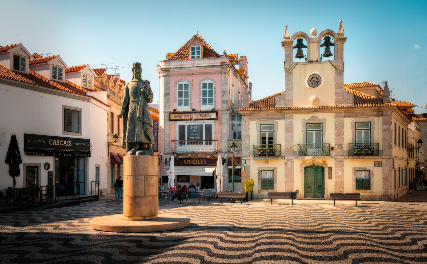 The Square of 5th October | Cascais, Portugal by Nico Trinkhaus