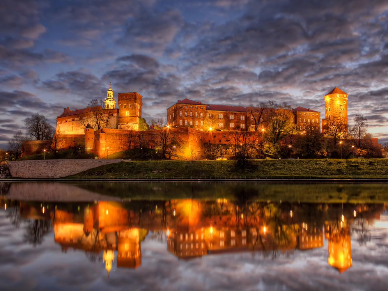Wawel | Kraków, Poland by Nico Trinkhaus