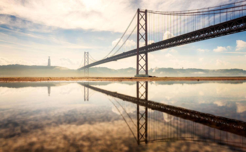 25 de Abril Bridge in Lisbon |Portugal by Nico Trinkhaus
