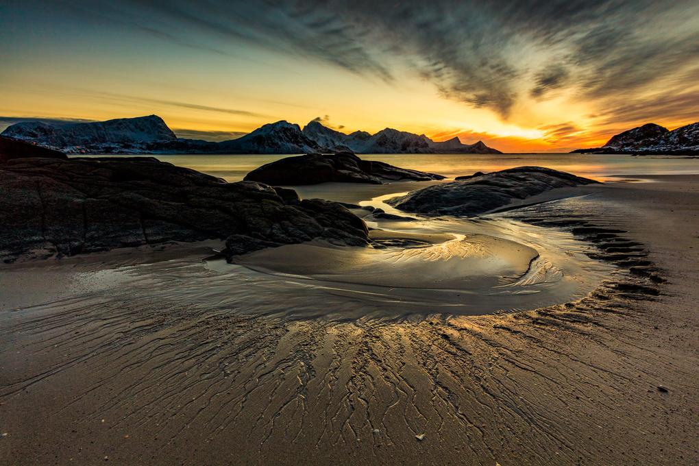 Lofoten Sunset by yannik waeber