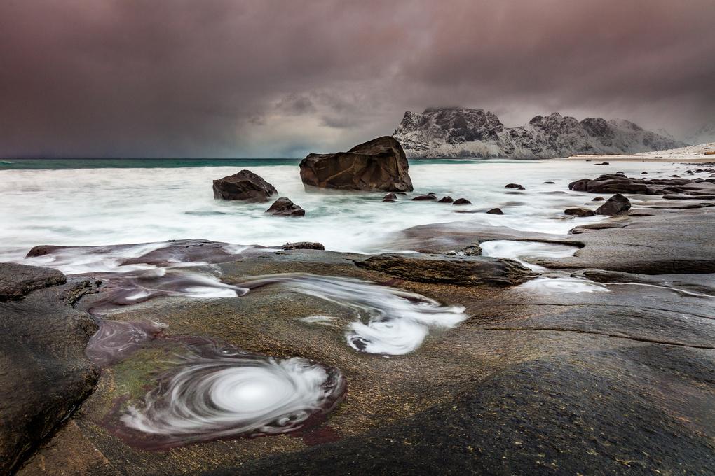 Utakleiv Beach by yannik waeber