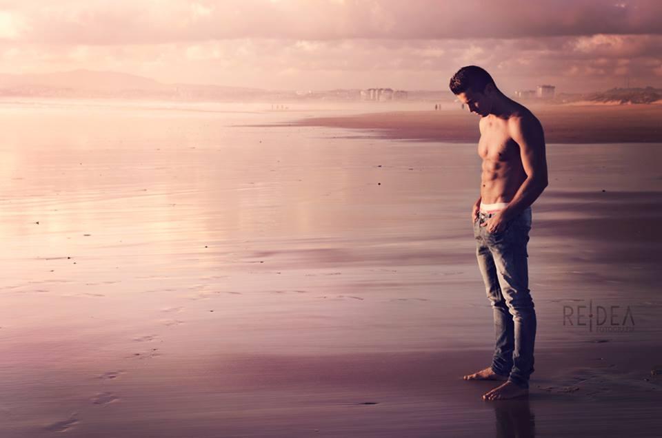 Lonely in Caparica Beach  by Rafa Rodero