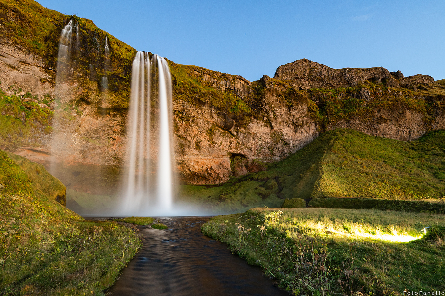 Seljalandsfoss by Freek van den Driesschen