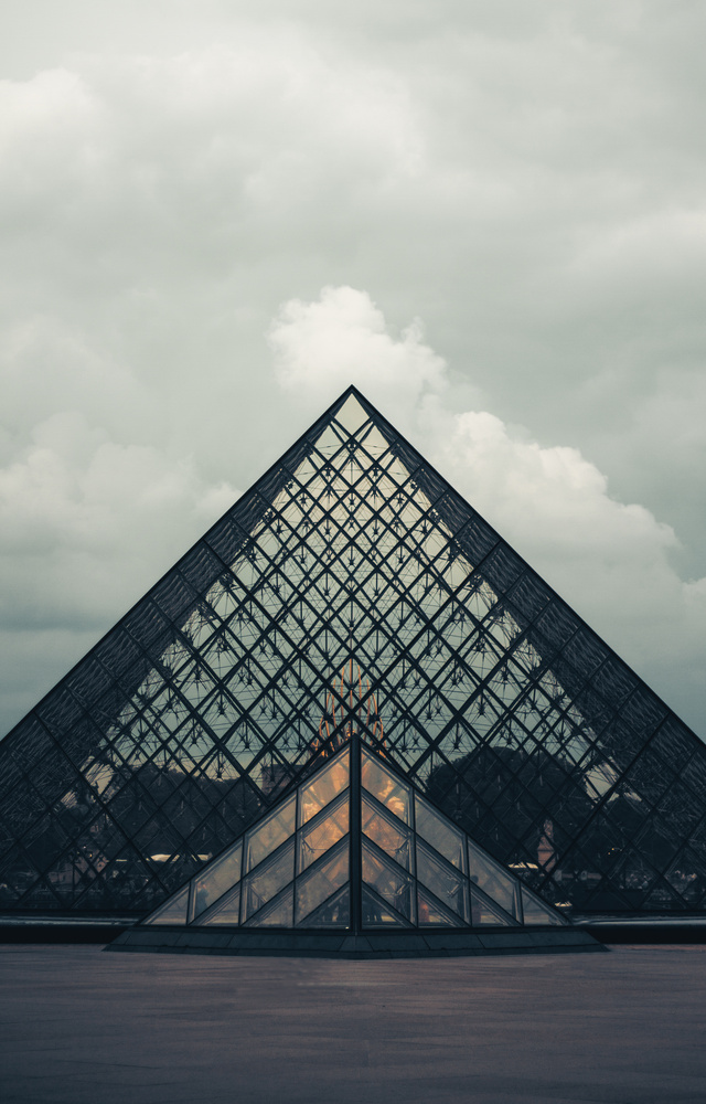 Louvre by Kush Shah