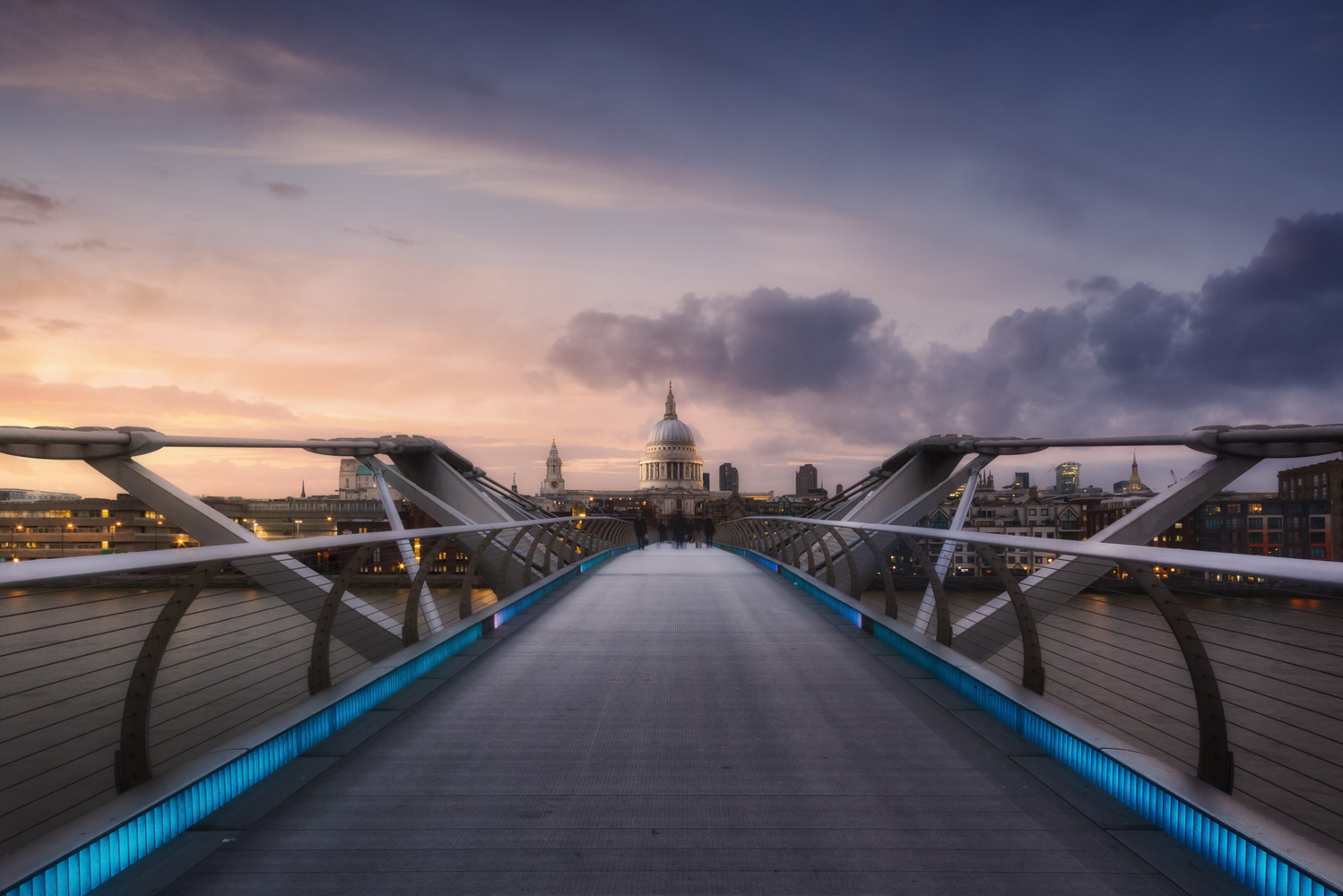 | Millennium Bridge | by Jose Luis Cantabrana