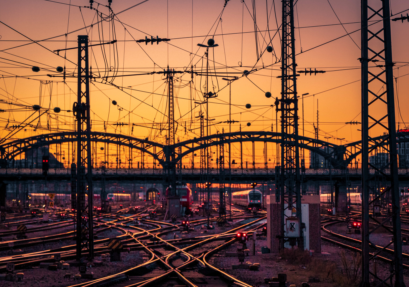 Hackerbrücke by Alex K
