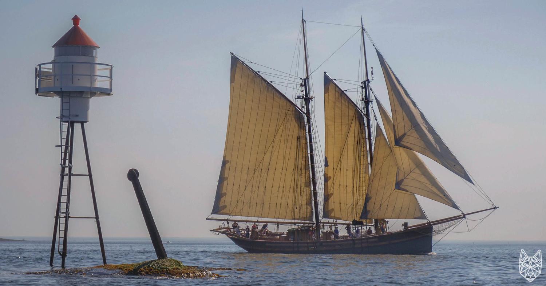 Frøya at sea by Vetle Sevild