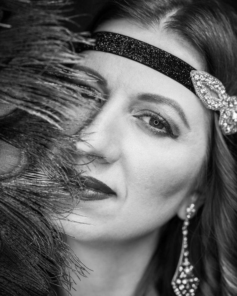 Black and White Diva by Stefan Thomas