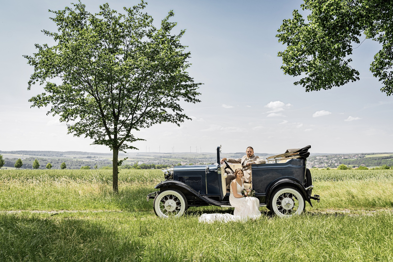 Vintage Wedding by Stefan Thomas
