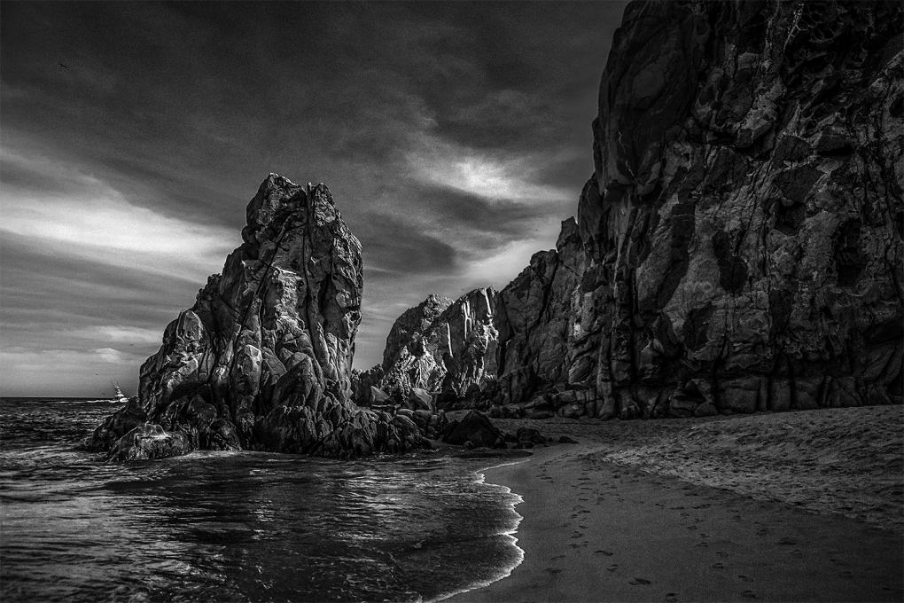 Cabo Walls  by Mario Olvera
