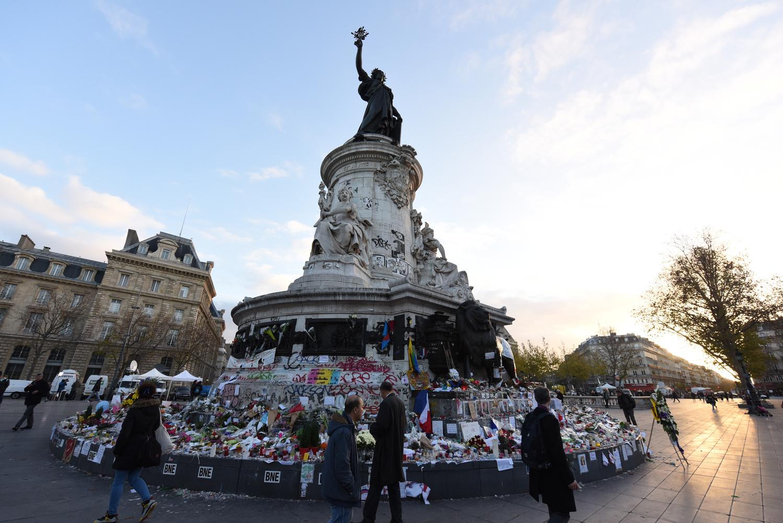 """Place de la République, """"Je suis ..."""" by Eric Mathiasen"""