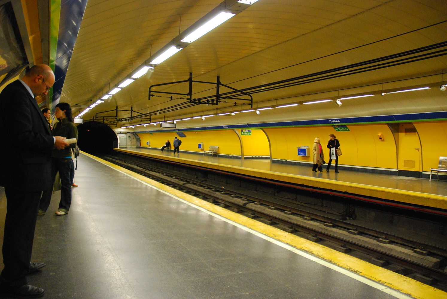 Madrid metro by Eric Mathiasen