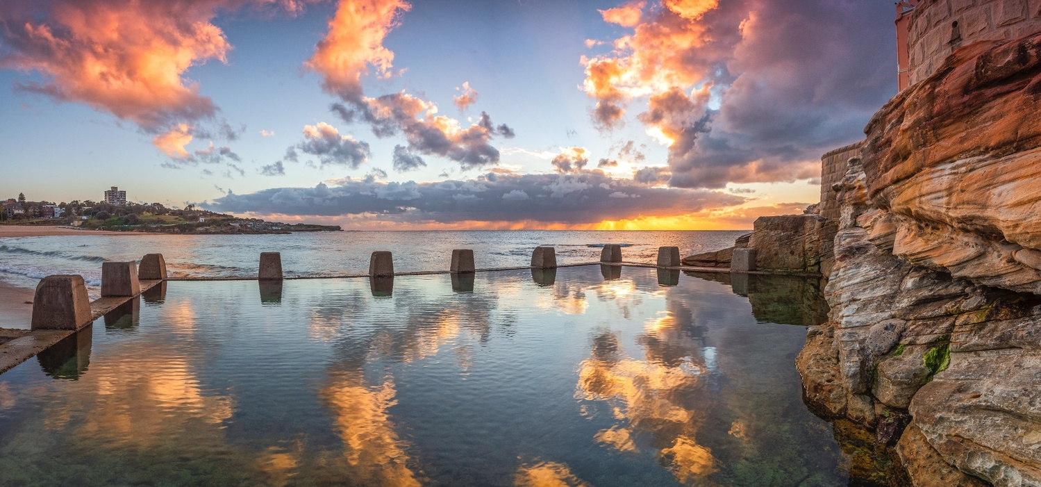 Coogee swimming pool and beach by Shane Smith