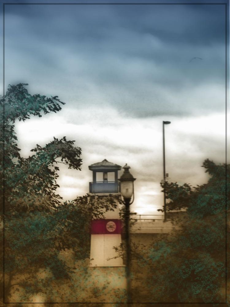 Boom Island Light House by JAMES FLACK